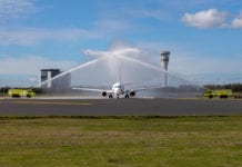 Water canon salute - Plane and hoses
